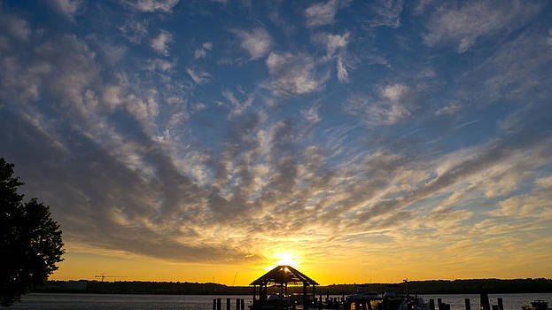 Hut Rise by Bob Lennox