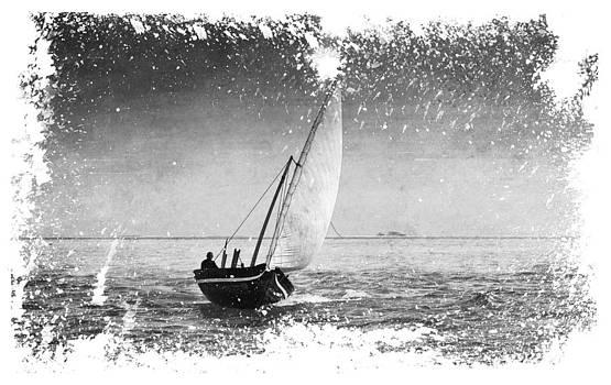 Jenny Rainbow - I Want to Ride On the Wind. Dhoni Boat. Maldives