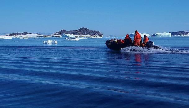 Iceberg Hunters 02 by David Barringhaus