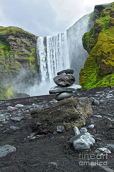Gregory Dyer - Iceland Skogar Waterfall 04