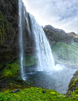 Gregory Dyer - Iceland Waterfall Seljalandsfoss 03