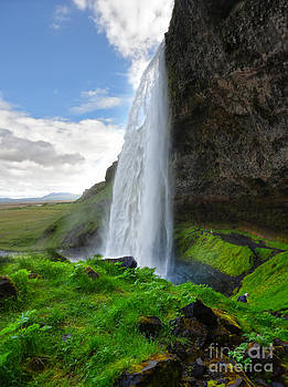Gregory Dyer - Iceland Waterfall Seljalandsfoss 04