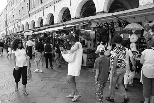 In The Piazza by Andrea Lucas