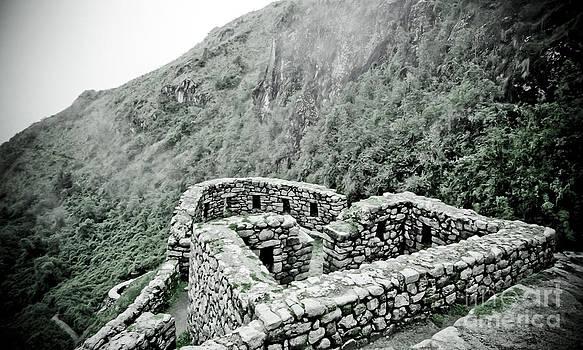 Darcy Michaelchuk - Inca trail Ruins