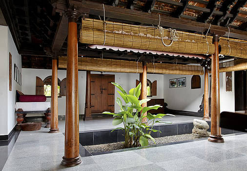 Kantilal Patel - interior design of daylight courtyard in Kerala b