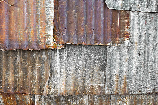 Iron weathering a variety of wall by Chavalit Kamolthamanon