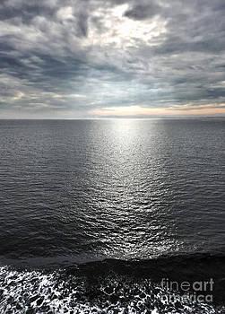 Gregory Dyer - Juan de Fuca Strait cloud break