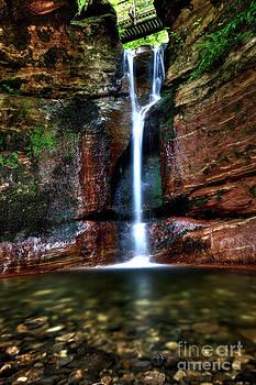 Kel Burn Waterfall by Roddy Atkinson
