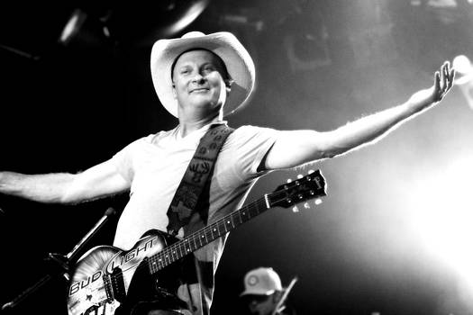 Kevin Fowler - The Man Delivers by Elizabeth Hart