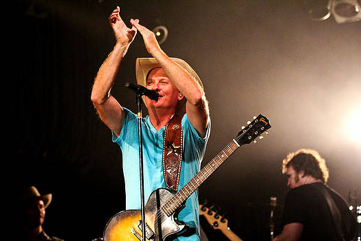 Kevin Fowler On Stage by Elizabeth Hart