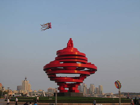 Alfred Ng - kite flying in Qingdao