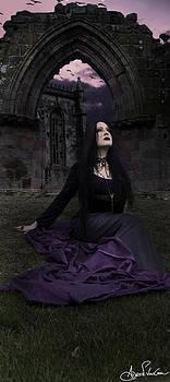 La Reine de la Solitude by Adro Von Crow