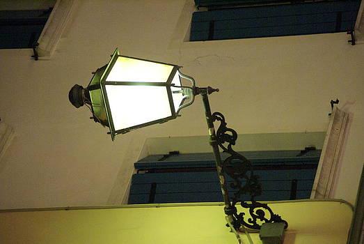 Lampione di notte by Niki Mastromonaco