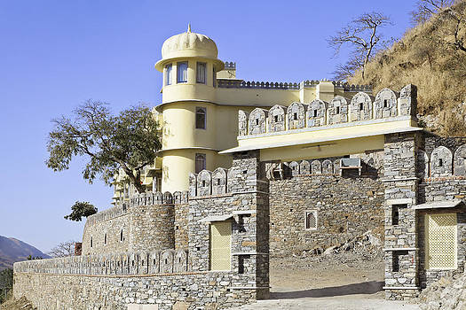 Kantilal Patel - Landscape Gateway to Royal Kumbhalghar Palace Villas