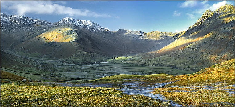 Langdales Valley by George Hodlin