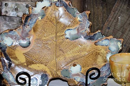 Maria Urso  - Leaf Patterned Pottery