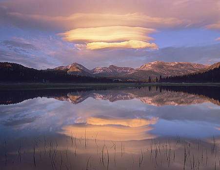 Tim Fitzharris - Lenticular Clouds Over Mount Dana Mount