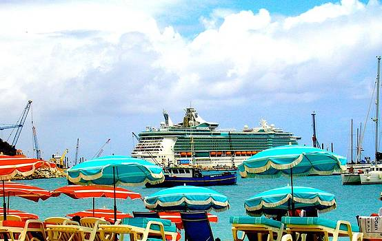 Stacey Robinson - Liberty of The Seas in St Martin