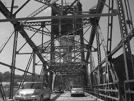 Lift Bridge by Mary Schriber
