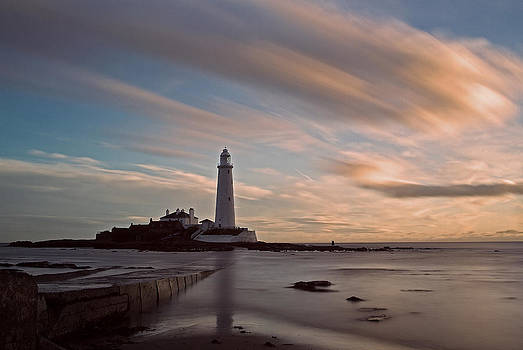 David Pringle - Lighthouse After Sunrise
