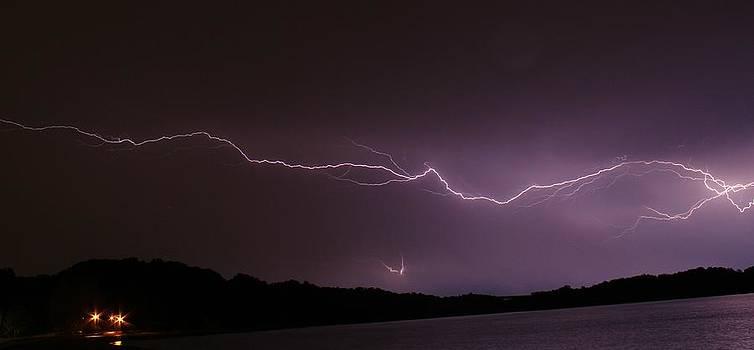 Lightning streak by Alexander Spahn