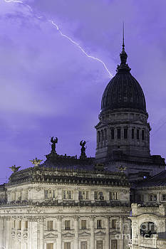 Balanced Art - Lightning Strike