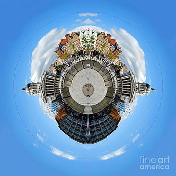 Yhun Suarez - Little Planet - Nottingham Town Hall