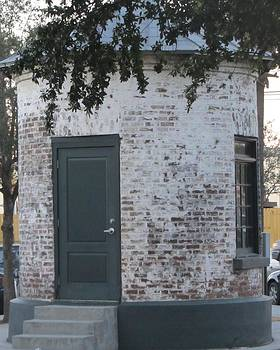 Cathy Lindsey - Little Round Building in Charleston