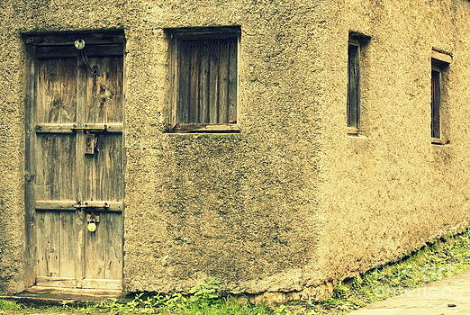 Locked and abandoned - 1 by Vishakha Bhagat