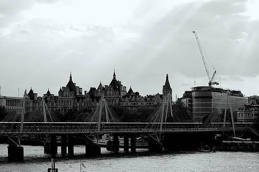 London by Ama Arnesen