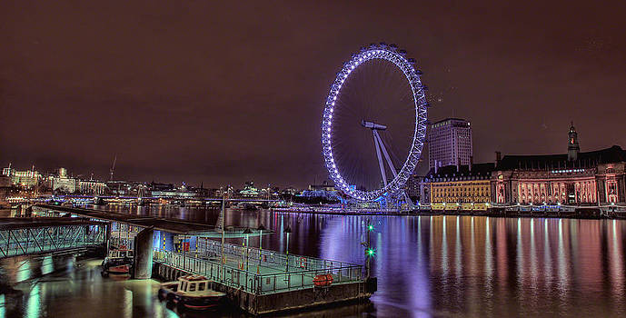 London by night by Lee-Anne Rafferty-Evans