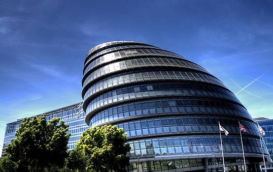 London City Hall by Andreas Hartmann