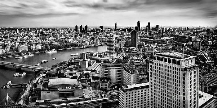London Panorama by Frank Waechter