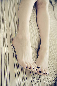 Long Toes by Tos Photos