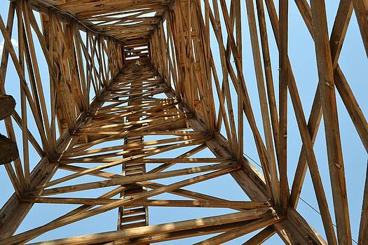 Looking Up The Derrick I by Bob Rowell