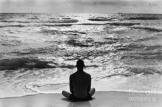 Lotus Position Miami  by Homer Sykes