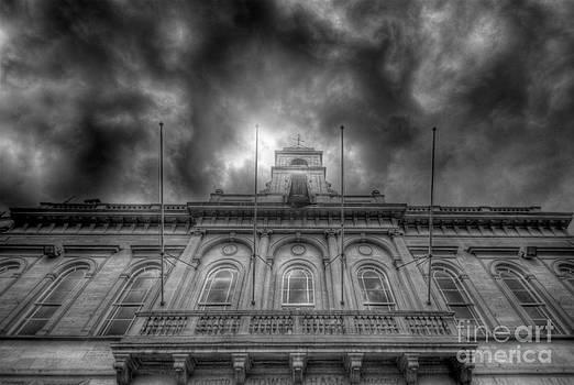 Yhun Suarez - Loughborough Town Hall