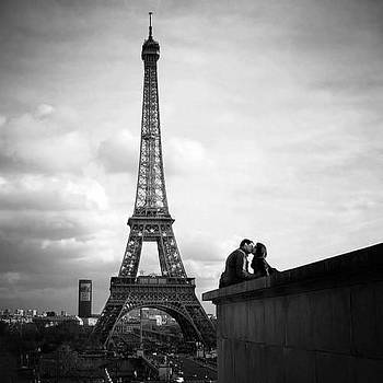 Love in Paris by Sunkies Fang