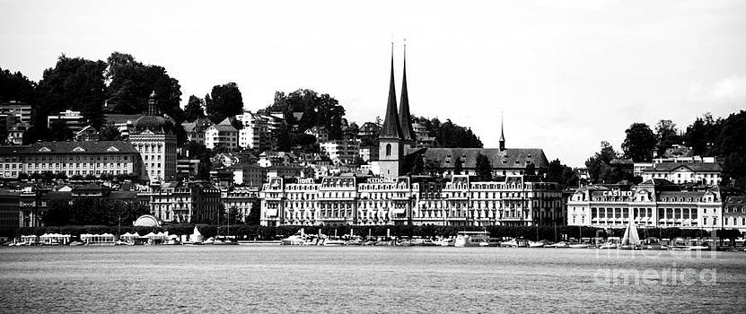 Pravine Chester - Lucerne in Monochrome