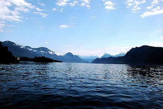 Pravine Chester - Lucerne Lake