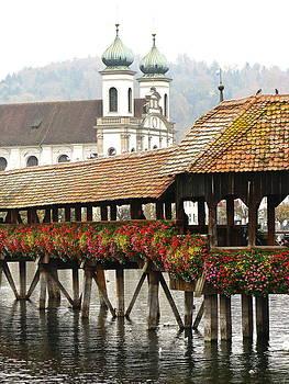 Luzern Switzerland by Ian Stevenson