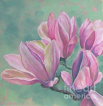 Magnolia 1 by Joan McGivney