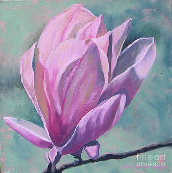 Magnolia 2 by Joan McGivney