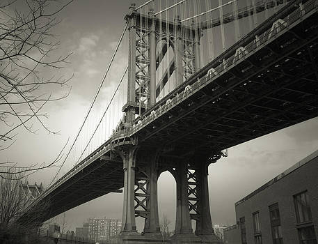 Manhattan Bridge by Martin Goldberg