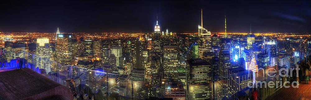 Yhun Suarez - Manhattan Nite Lites Panorama