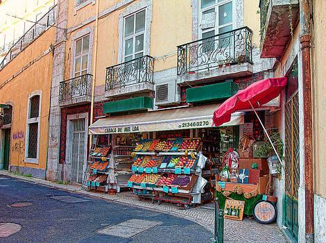 Nathan Mccreery - Market  Downtown Lisboa