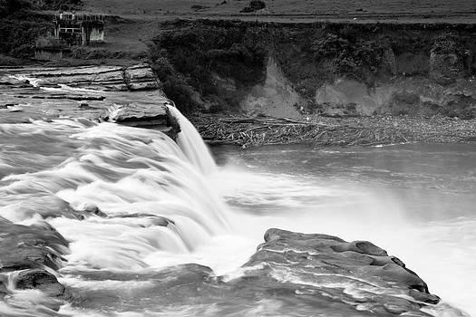 Jonathan Hansen - Maruia Falls 1