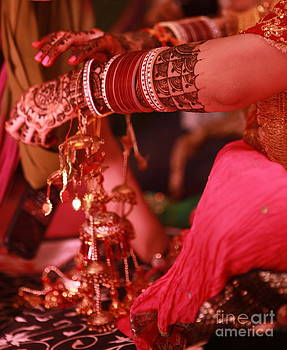 Mehndi by Arvi Grover