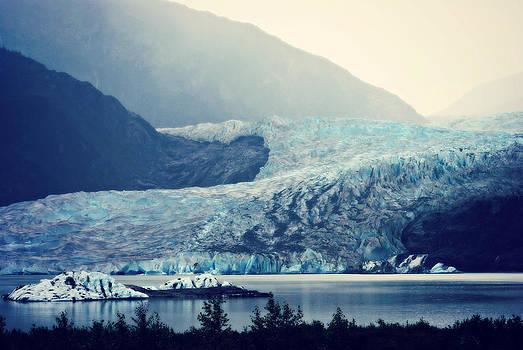 Marilyn Wilson - Mendenhall Glacier on a Foggy Morning