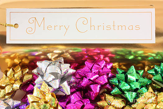 Simon Bratt Photography LRPS - Merry Christmas message with colourful bows